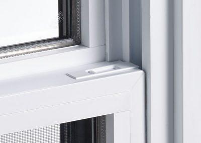 Econova hung window latch close-up